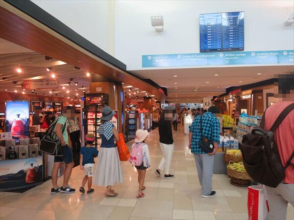 グアム旅行に最適な服装と靴、着替えはどうするかなどについて